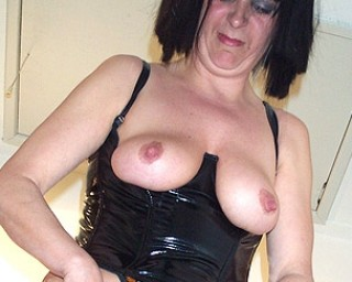 Pierced mature slut loves to play with herself